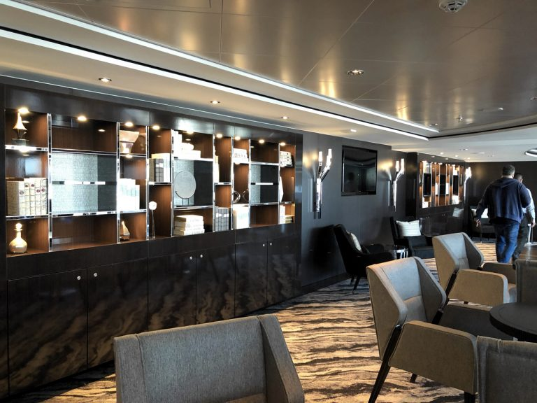 Norwegian_Bliss_The_observatory_lounge_IMG_1345
